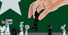 Schachfiguren mit Icons von Sozialen Netzwerken als Kopf als Sinnbild für Social Media Strategie